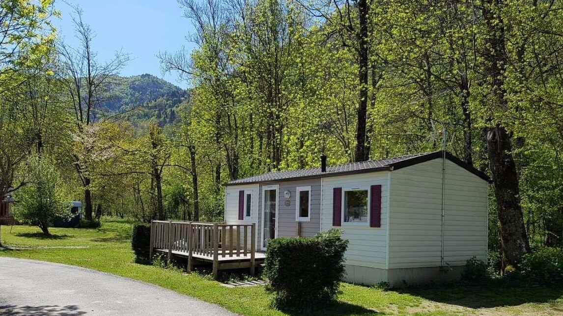 Camping avec des hébergements pas cher en Ariège