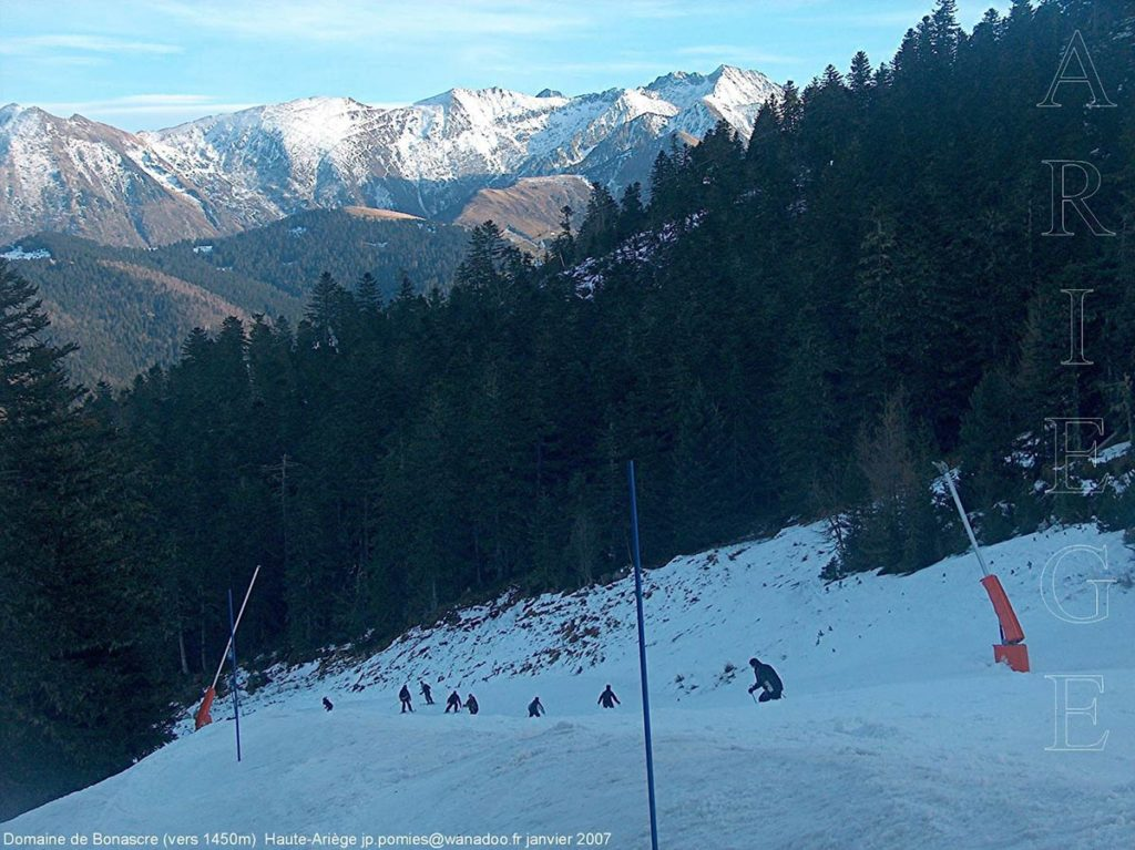 Camping familial été comme hiver dans les Pyrénées Ariégeoises